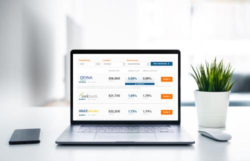 Autofinanzierungsrechner am Laptop